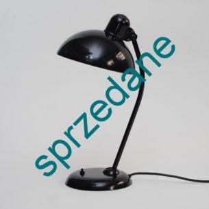 Lampka KAISER IDELL . Projekt CHRISTIAN DELL. Produkt Bauhausu. Kultowa pozycja. Jedna z najbardziej rozpoznawanych lampek XX w.