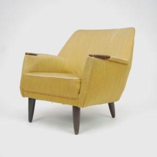 Duńskie fotele z lat 60-tych. Piękna linia. Bardzo wygodne i niezwykle efektowne. Solidna konstrukcja. Doskonała baza na wyjątkowy mebel.