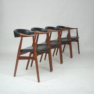 Cztery duńskie krzesła. Masyw tekowy. Piękna, modernistyczna forma lat 60-tych. Tapicerka z eco skóry. Produkt duński. Bardzo mała dostępność w takiej ilości.