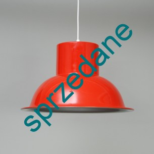Lampa  o bardzo ciekawej formie. Aluminium. Organiczna pomarańcz. Produkt duński.