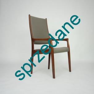 Modernistyczny, tekowy fotel. Wytworna, lekka forma. Lite drewno tekowe. Projekt, Erik Kold. Produkt duński lat 60-tych.