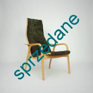 """Szwedzka klasyka. Kultowy projekt z 56 roku autorstwa YNGVE EKSTRÖM dla SWEDESE . Nominowany do tytułu """"najlepszego szwedzkiego projektu mebla XX wieku"""". Drewno bukowe."""