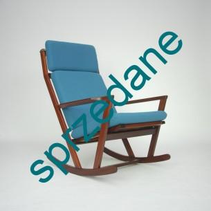 Bujany, tekowy fotel autorstwa Poul'a M. Volther'a dla Frem Røjle. Ciekawa modernistyczna forma. Lity, olejowany tek. Produkt duński lat 60-tych.