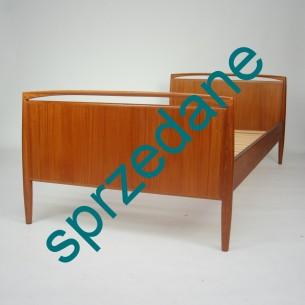 Piękne tekowe łóżko. Projekt KAI KRISTIANSEN. Wyrafinowana forma. Drewno olejowane. Dla singla bądź dziecka. Produkt duński lat 60-tych.