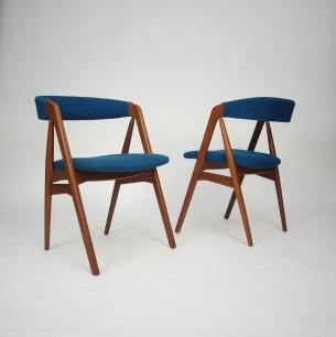 Para tekowych krzeseł. Projekt KAI KRISTIANSEN. Typowy modernizm. Produkt duński lat 60-tych.