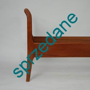 Klasyczne, duńskie łóżko. Jednoosobowe. Lity tek i fornir. Drewno olejowane. Produkt lat 60-tych.