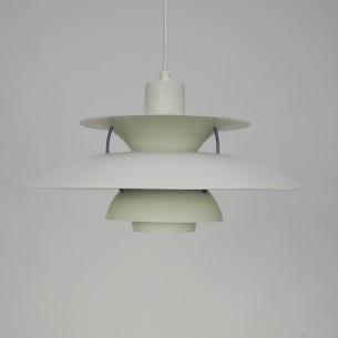 Projekt ikony duńskiego wzornictwa, POULa HENNIGSENa. Produkcja współczesna.