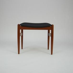 Modernistyczny podnóżek z masywu tekowego. Oryginalny produkt duński lat 60-tych.