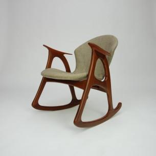 Efektowny fotel bujany. Kwintesencja duńskiego modernizmu lat 60-tych. Piękna organiczna forma. Lite drewno tekowe. Niezwykle rzadki egzemplarz. Pozycja kolekcjonerska.