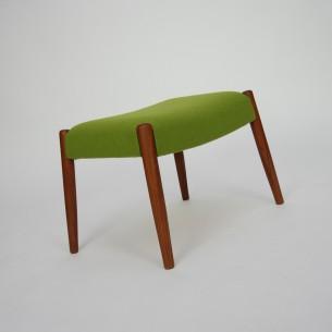 Piękne siedzisko z nogami z masywu tekowego. Oryginalny produkt duński lat 60-tych.