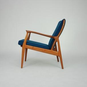Wybitny projekt lat 60-tych. Piękna, organiczna forma autorstwa S. A. Andersena. Lity tek. Drewno olejowane. Tapicerka z wełny meblowej. Kolor ciemny indygo/morski (nie jest to niebieski).