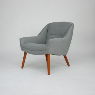 Piękny modernistyczny fotel. Efektowny projekt lat 60-tych. Nogi z masywu tekowego. Poszycie z wełny meblowej. Siedzisko na sprężynach falistych. Oryginalny produkt duński.