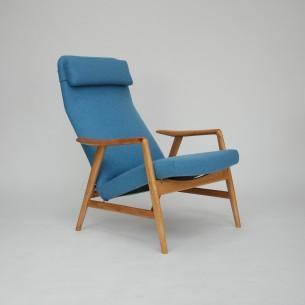 Projekt ALFa SVENSSONa. Modernistyczna, ergonomiczna forma lat 60-tych. Siedzisko i plecy na sprężynach. Regulacja przechyłu, dwie pozycje. Drewno wiązu, olejowane. Tapicerka wełniana. Projekt z 1957 roku.