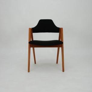 Unikatowe krzesło autorstwa KAI KRISTIANSENa. Wyjątkowa, organiczna forma z manufaktury Shou Andersen. Drewno olejowane. Oryginalny produkt duński lat 60-tych.