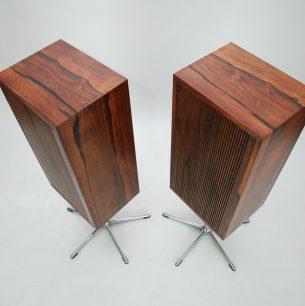 Wyjątkowe kolumny z lat 70-80. Skrzynie fornirowane pięknym palisandrem. Głośniki Heco. Efektowna, ażurowa maskownica.
