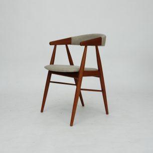 Krzesło tekowe. Piękna modernistyczna forma lat 60. Projekt  Aksel Bender Madsen. Drewno olejowane. Oryginalny produkt duński.