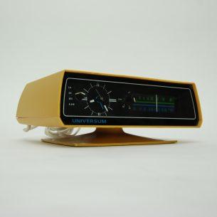 Unikatowy radiobudzik z lat 70-tych.  Kosmiczne kształty i typowa kolorystyka tamtej epoki.