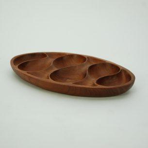 Modernistyczna patera. Organiczna forma inspirowana projektem LAURa JENSENa. Masyw tekowy, olejowany.