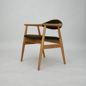 Piękne duńskie krzesło. Gładkie przejścia i minimalizm. Stabilna dębowa konstrukcja. Poszycie wełniane. Drewno ługowane i olejowane. . Duński produkt lat 60-tych.