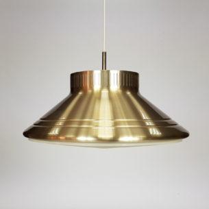 Ciekawa i okazała duńska lampa w efektownej, złotej kolorystyce. Aluminium i plastik. Produkt duński.