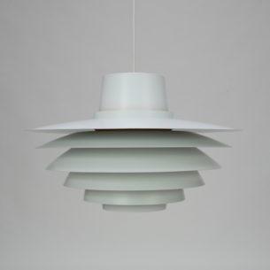Efektowna lampa zaprojektowana w latach 60-tych przez Svena Middleboe. Oryginalny produkt duński