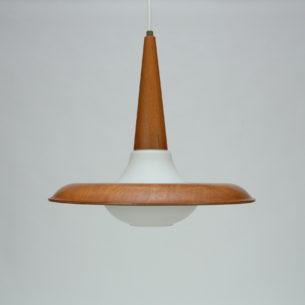 Wyjątkowa lampa ze szklanym kloszem i drewnianymi dodatkami. Talerz ze sklejki tłoczonej fornirowanej tekiem. Stożek z drewna tekowego. Oryginalny produkt duński lat 70-80.
