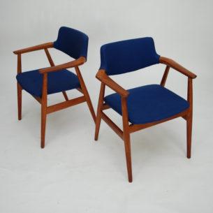 Typowa modernistyczna forma. Gładkie przejścia i minimalizm. Stabilna tekowa konstrukcja. Obicie z wełny. Drewno olejowane. Duński produkt lat 70-tych.