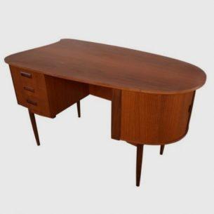 Unikatowe, duńskie biurko. Efektowna, modernistyczna forma inspirowana projektem Kai Kristiansen (modelem 54). Oryginalny produkt duński lat 60-tych.