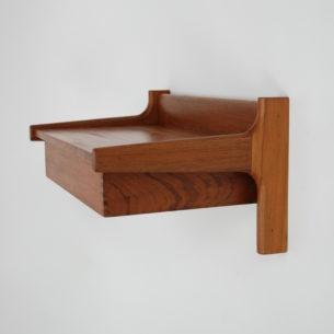 Stolik nocny z manufakturySøborg Møbler. Lite drewno tekowe. Wysuwana szuflada. Projekt ikony duńskiego wzornictwaBørge Mogensen.