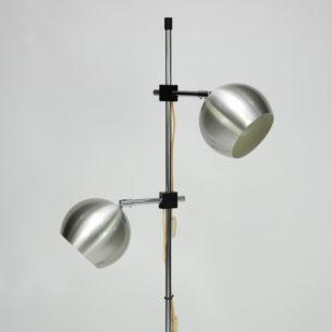Duńska lampa podłogowa. Dwa regulowane, oddzielnie włączane spoty . Oryginalny produkt lat 60-tych/70.