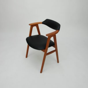 Efektowne krzesło z drewna tekowego. Projekt Erik Kirkegaard. Skóra naturalna. Drewno olejowane. Produkt duński lat 60-tych.