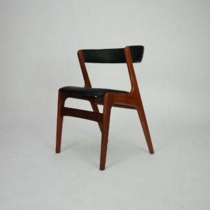 Krzesło z masywu tekowego. Projekt KAI KRISTIANSEN. Piękna, modernistyczna forma lat 60-tych. Drewno olejowane. Oryginalny produkt duński.